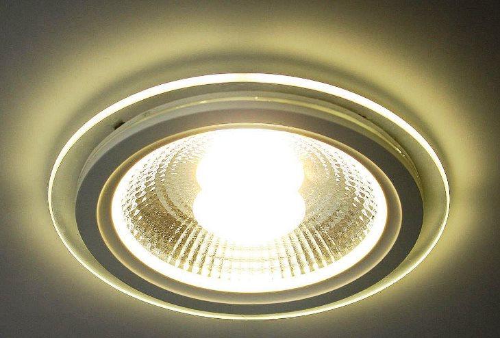 Температура света 4500 К (белый свет)