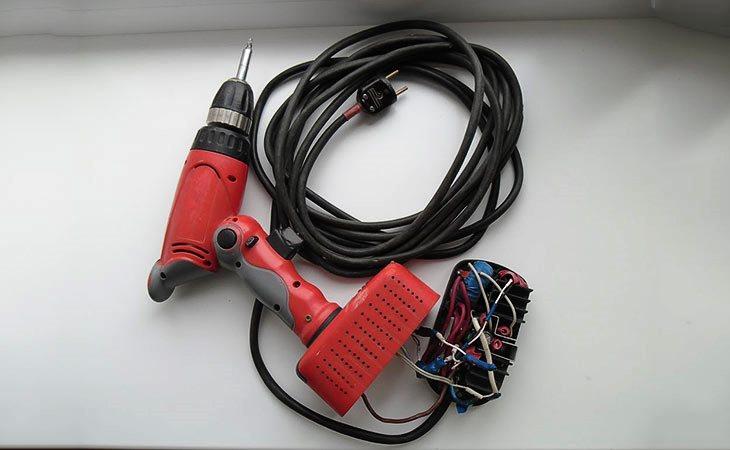 Аккумуляторный шуруповерт 18В от сети 220В