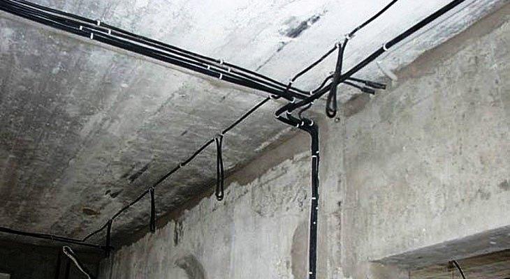 Прокладка проводки по стенам под штукатурку