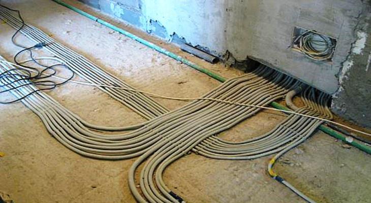 Монтаж электропроводки в полу
