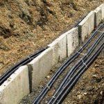 Как осуществляется прокладка кабеля в земле