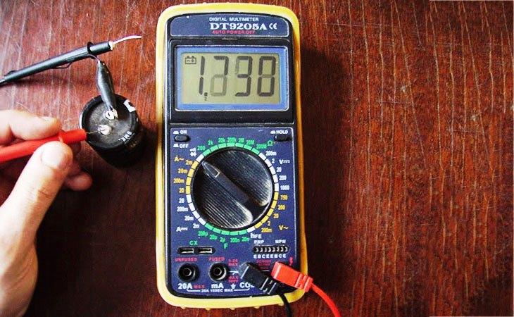 Проверка емкости конденсатора мультиметром
