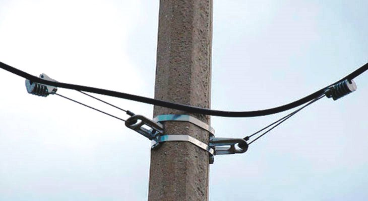 Прокладка кабеля по столбам