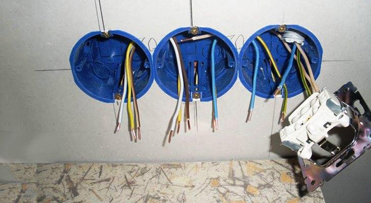 Тонкости установки розеток в гипсокартон