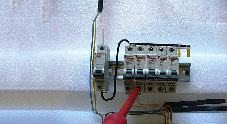 Как заменить автоматический выключатель